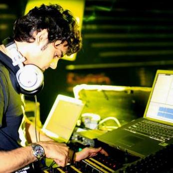 Laptop DJing