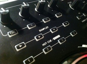 Pioneer DDJ-ERGO-V sample and cue buttons