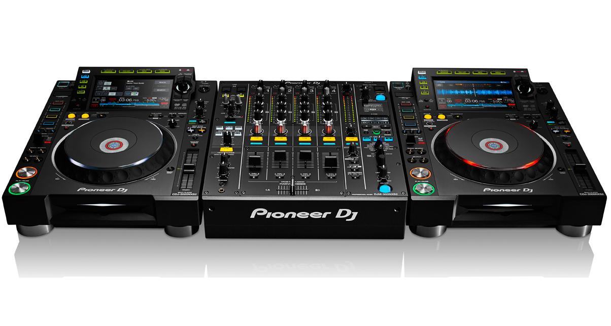CDJ-2000NXS2 & DJM-900NXS2